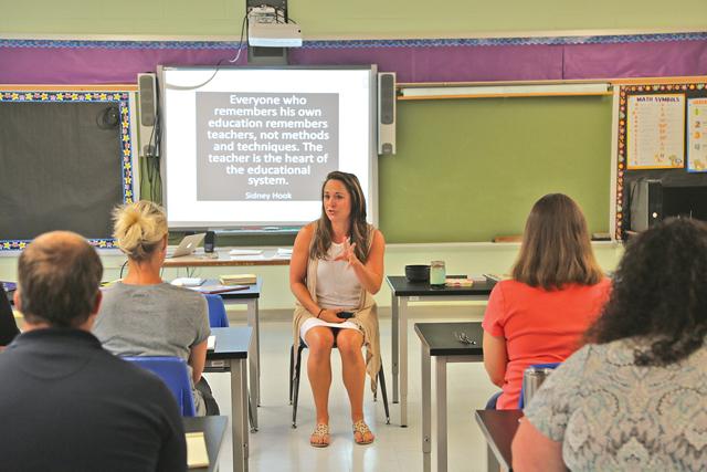 Oysterponds para incluir la meditación en la atención en el currículo de Suffolk Veces 1