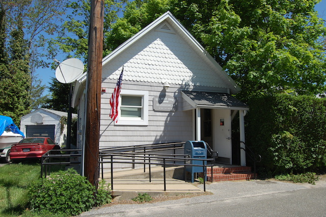 The South Jamesport Post Office at 70 Second Street could be in for some changes. (Credit: Barbaraellen Koch file)