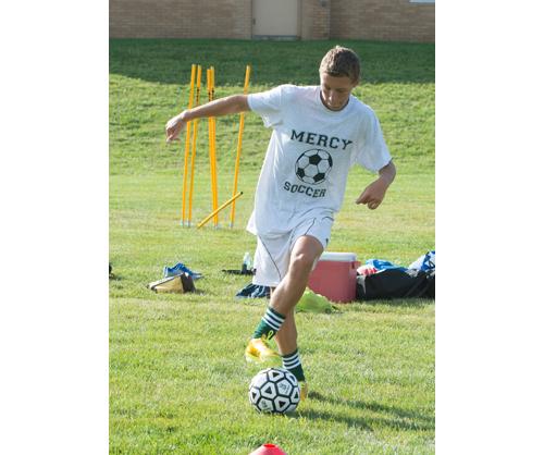Alex Frabizio dribbles the ball during practice last week. (Credit: Robert O'Rourk)
