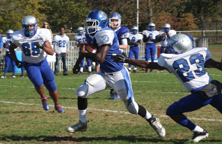 BARBARAELLEN KOCH PHOTO  |  Riverhead senior Charles Bartlett scored one touchdown Saturday against Copiague.