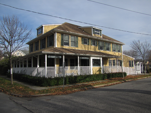 The Bayview Inn & Restaurant in S. Jamesport may become apartments. (Credit: Tim Gannon)