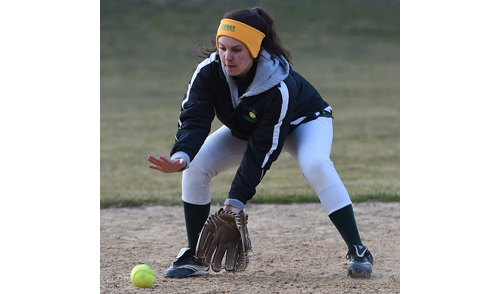Bishop McGann-Mercy shortstop Micaela Zebrowski wore several layers of clothing to protect herself from the severe cold. (Credit: Robert O'Rourk).