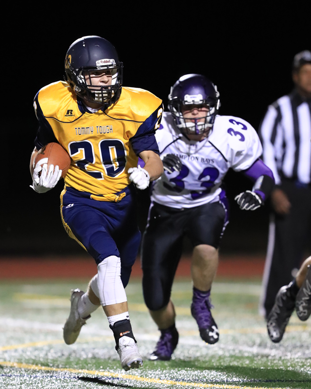 Shoreham-Wading River junior Kyle Boden scores the Wildcats' final touchdown. (Credit: Daniel De Mato)