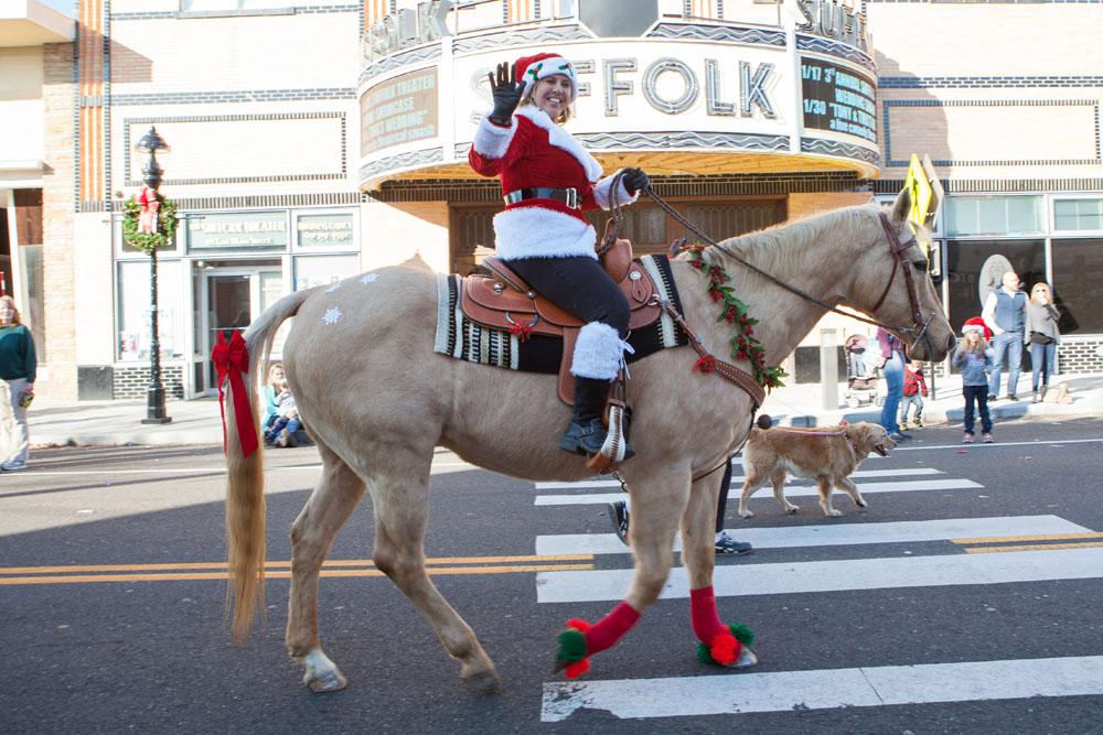 Christmas_parade_RHD_ss_14