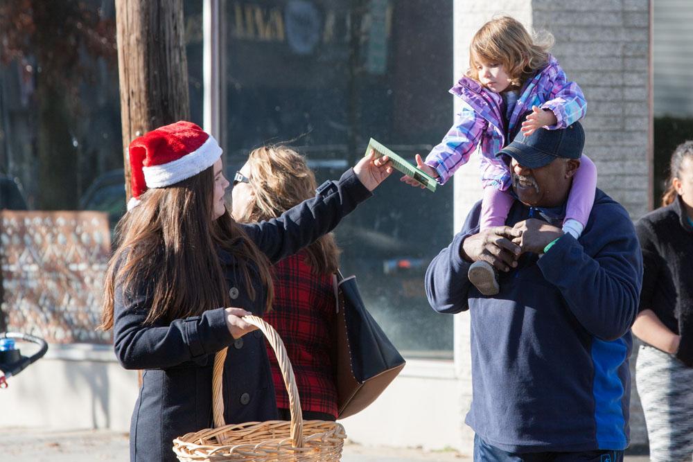 Christmas_parade_RHD_ss_24