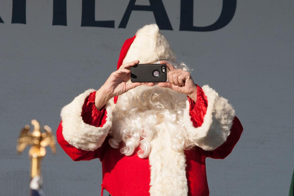Christmas_parade_RHD_ss_33
