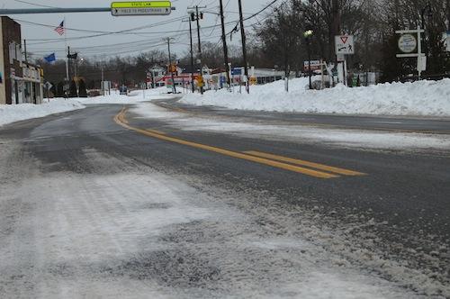 Roads in downtown Riverhead were empty following the brunt of the blizzard Tuesday afternoon. (Credit: Cyndi Murray)