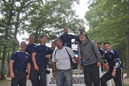 Members of the Ironmen's Motor Pump team before the race Saturday. (Credit: Joseph Pinciaro)