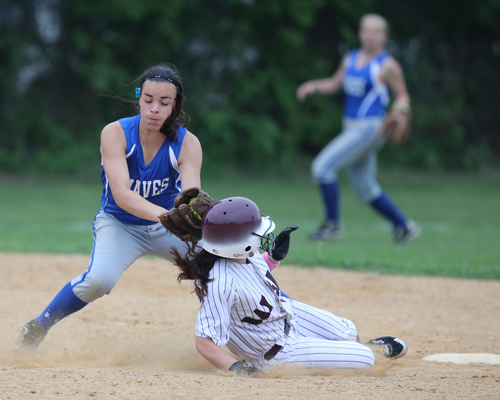 DANIEL DE MATO PHOTO  |  Riverhead shortstop Danielle Napoli applies the tag at second base on a Bay Shore runner Wednesday in the Class AA quarterfinals.