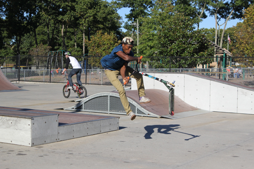 Darius Brew, 15, of Mattituck at Riverhead Town's skatepark on Sunday. (Credit: Jen Nuzzo photos)