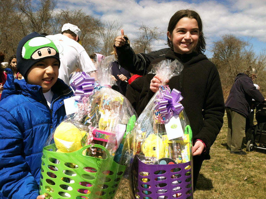 The big basket winners, Fernando Atancuri, 5, of Hampton Bays, and Allie Parascandola, 9, of East Quogue. (Credit: Michael White)