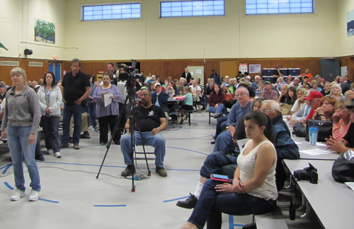 Over 100 members of the public attended an informational meeting on Friday night about a proposed garbage district. (Credit: Tim Gannon)