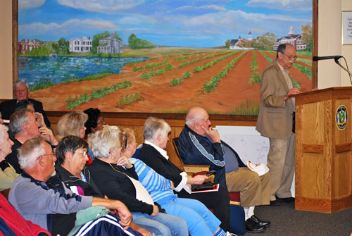 Richard Luzzi, a resident of Riverhaven mobile home park, addresses Thursday night's Riverhead Planning Board meeting. (Credit John Stefans)