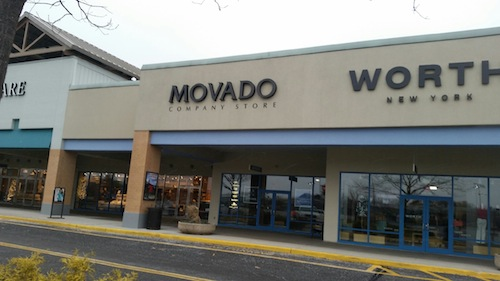 Police said a man attempted to rob  Movado Company Outlet Thursday. (Credit: Carrie Miller)