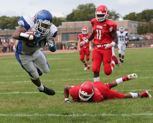 DANIEL DE MATO PHOTO  |  Riverhead running back Jeremiah Cheatom scored two touchdowns Saturday against East Islip.