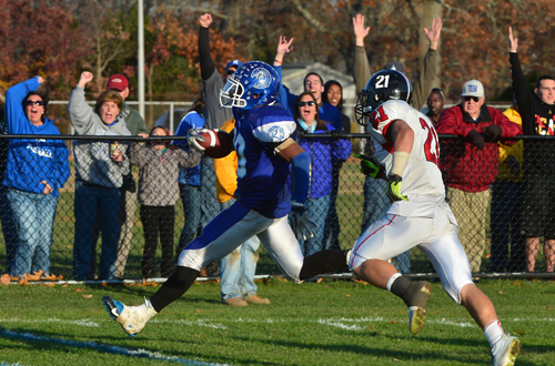 Riverhead football headed back to county finals