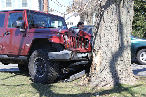 Jeep crash in Riverhead