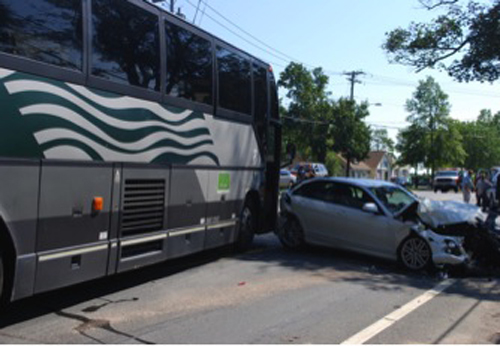 Jitney, Hamptons, Southampton Police, Water Mill, Montauk Highway crash