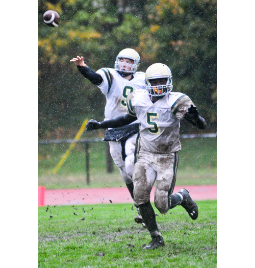 McGann-Mercy quarterback KJ Santacroce lets go a pass as running back Reggie Archer blocks in the Monarchs' Week 8 loss at Glenn. (Credit: Bill Landon)