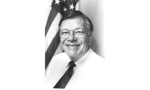 Jim Lull in a 1999 photo