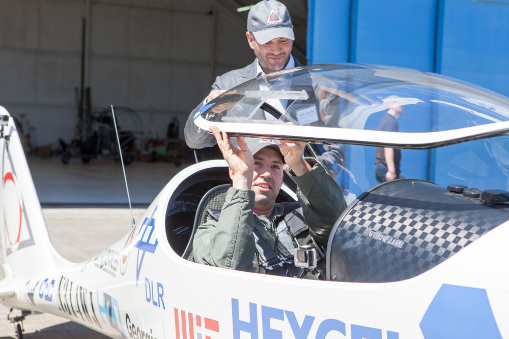 Luminati chief pilot Robert Lutz prepares to fly. (Credit: Katharine Schroeder)