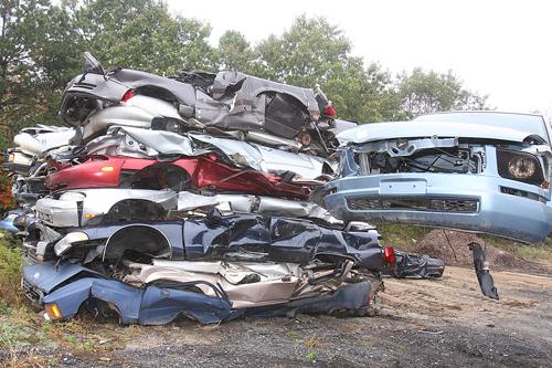 Mid Island Auto Wreckers. (Credit: Barbaraellen Koch)