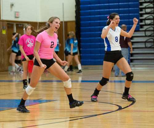 Volleyball: Blue Waves punch ticket to playoffs