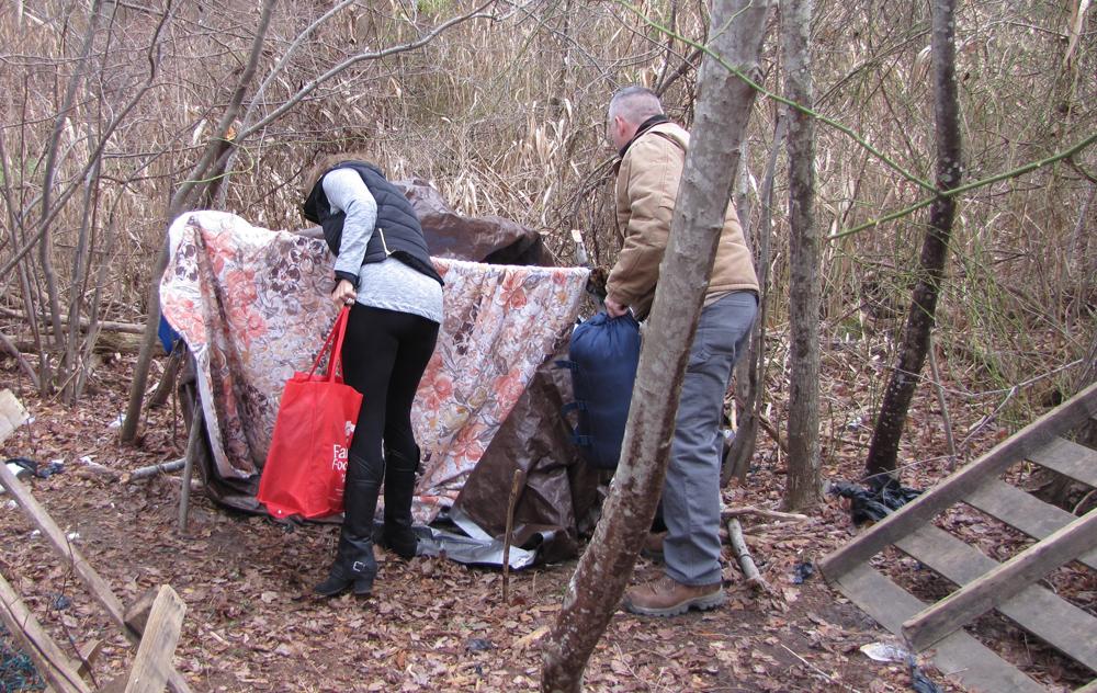 R1224_homeless1_GAN