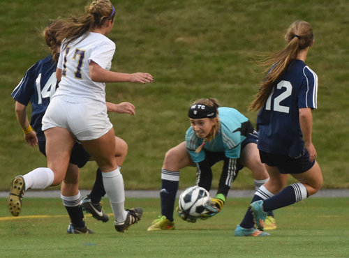 SWR freshman goalkeeper Lydia Kessel makes one of her 14 saves. (Credit: Robert O'Rourk)