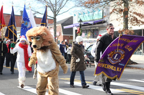 The Riverhead Lions Club's annual Christmas parade Sunday in downtown Riverhead. (Credit: Jen Nuzzo photos)