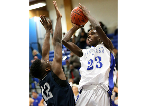 Riverhead basketball player Lintell Brown 012116
