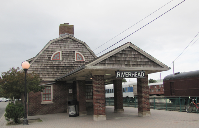 Riverhead_Train_Station