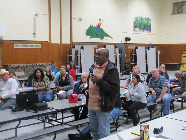 "Bob Summerlin of Northampton speaks at last Wednesday's ""Riverside Rediscovered"" meeting, where residents were asked to identify what type of things they feel Riverside needs. (Credit: Tim Gannon)"