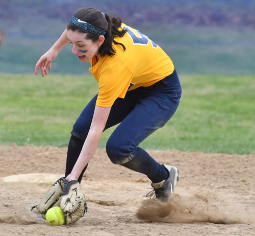 Shoreham-Wading River softball player Katlynn McGivney 051016