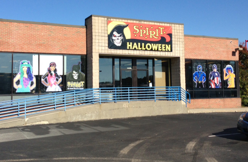 paul squire photo the spirit halloween store - Halloween Store Spirit