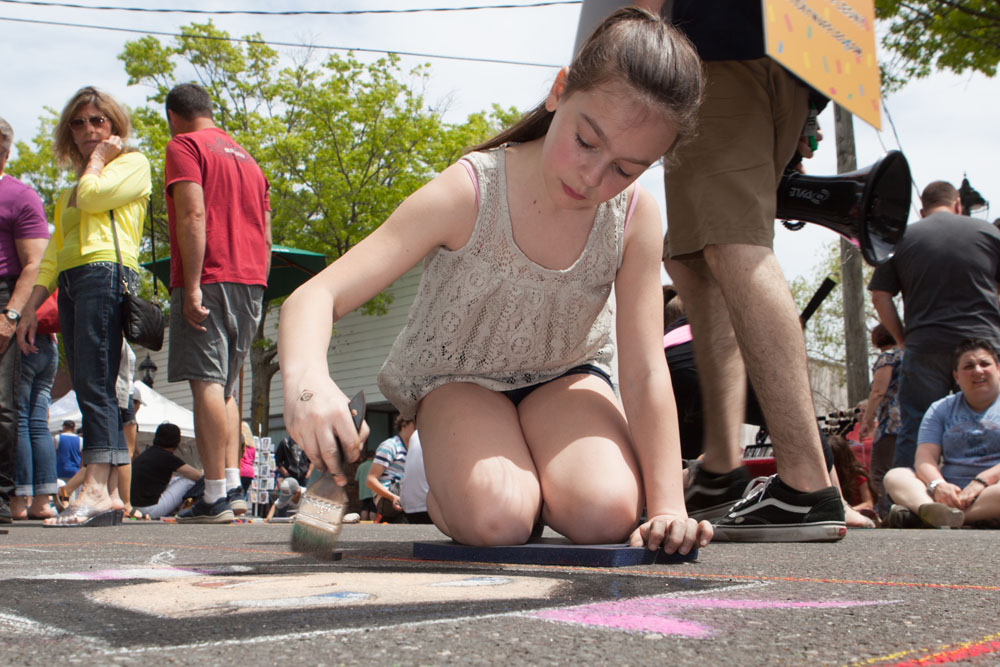 Jessica Cagen, 13, of East Meadow at Sunday's arts festival downtown. (Credit: Katharine Schroeder)