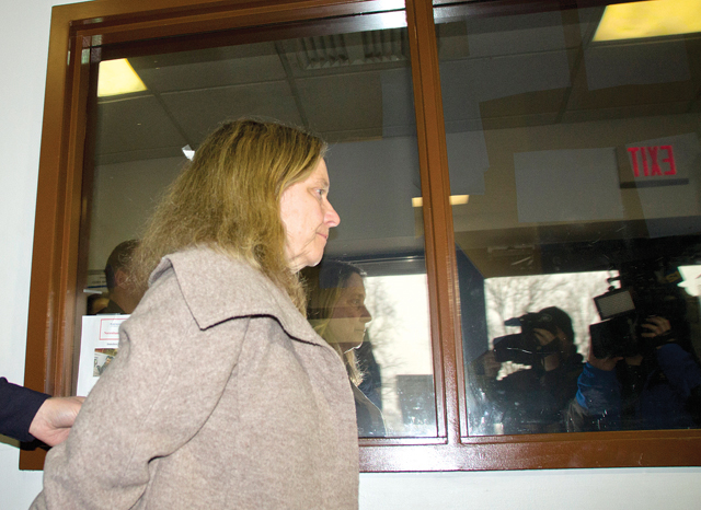 Diane O'Neill enters court in RIverhead Wednesday morning. (Credit: Paul Squire)