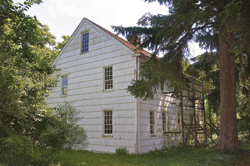 The James Benjamin Homestead, circa 1782, is believed to be the oldest house in Flanders. It's on th eNational Register of Historic Places. (Credit: Barbaraellen Koch)