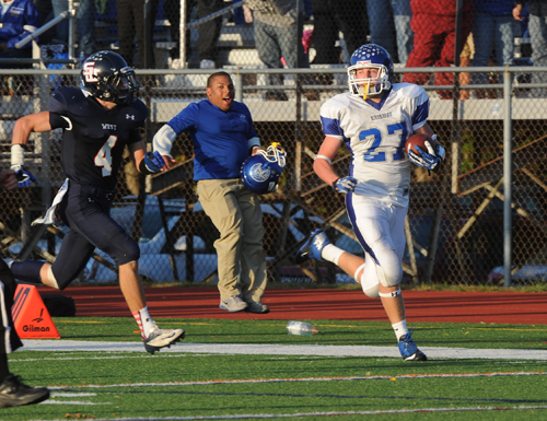 Defense shines as Waves beat Smithtown West