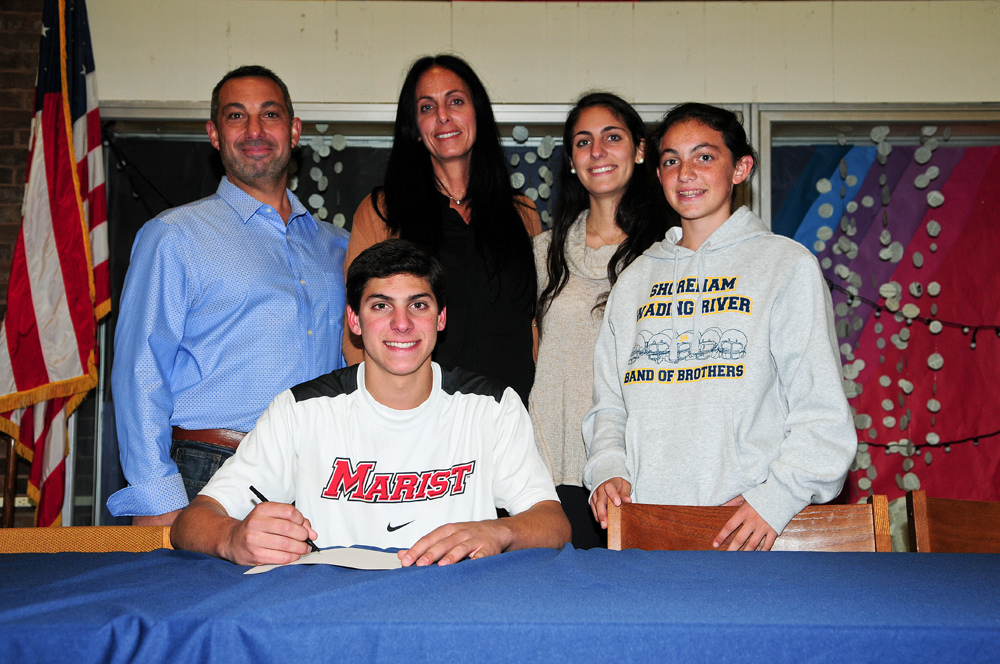 Jon Constant will play lacrosse at Marist College. (Credit: Bill Landon)