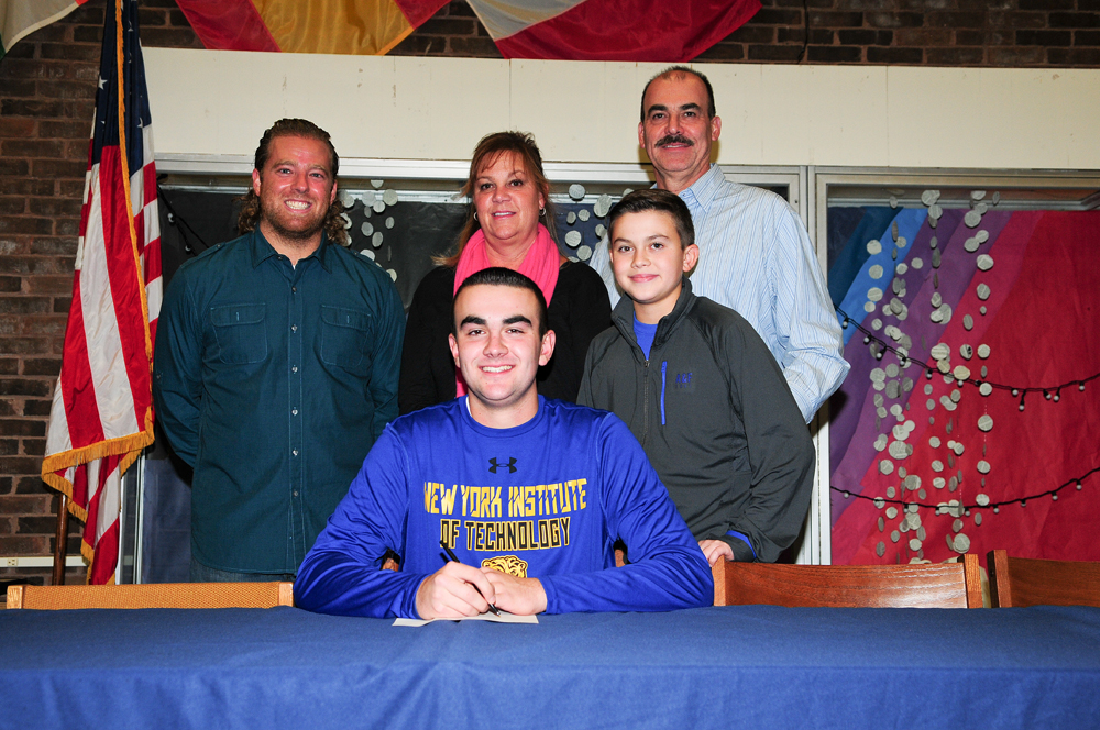 Zach White will play baseball at New York Institute of Technology. (Credit: Bill Landon)