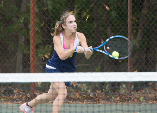 Tennis: SWR's Manfredo commits to Bradley