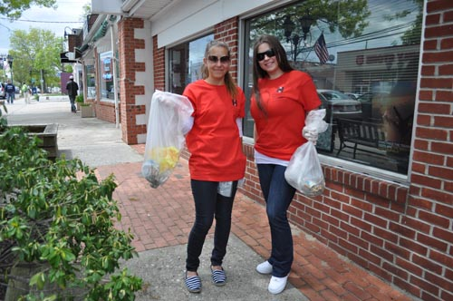 Hyatt Place staffers help clean up downtown