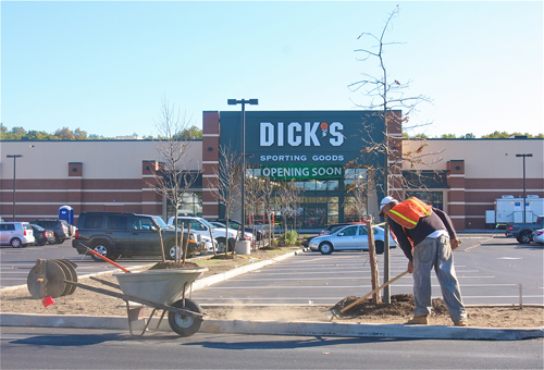 BARBARAELLEN KOCH PHOTO | Dick's Sporting Goods will hold its grand opening form Oct. 25 through Oct. 27.