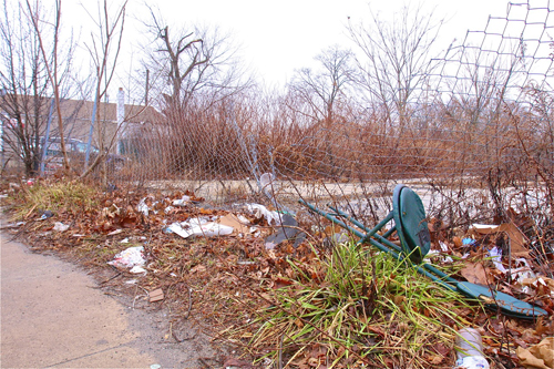 BARBARAELLEN KOCH PHOTO | Southampton Town purchased Riverleigh Avenue lot in Riverside but have not maintained it due to lack of funds.