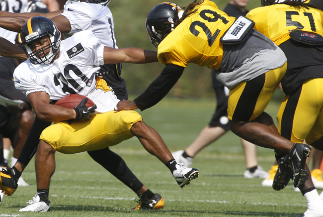 Riverhead High School graduate Miguel Maysonet was vying for a spot on the Pittsburgh Steelers' roster. (Credit: AP Photo/Keith Srakocic)