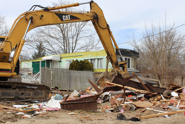 pine_street_demolish