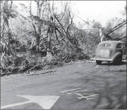 SHELTER ISLAND HISTORICAL SOCIETY COURTESY PHOTO | Access to North Ferry was blocked so traffic couldn't access the road in and out until a cleanup had been achieved. There was a period when boats started landing at the town dock to accommodate those who wanted to get to and from the Island.
