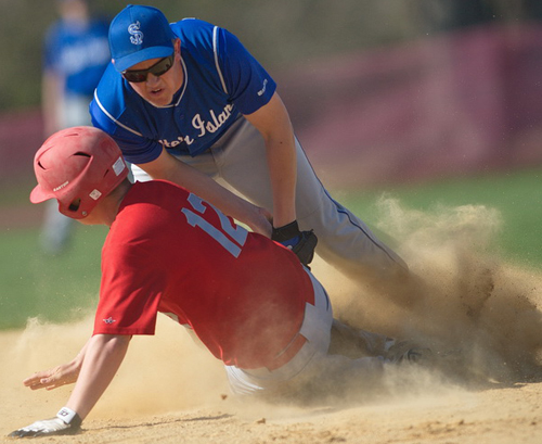 Baseball: Southold nears playoff spot with Carver's 150th career win
