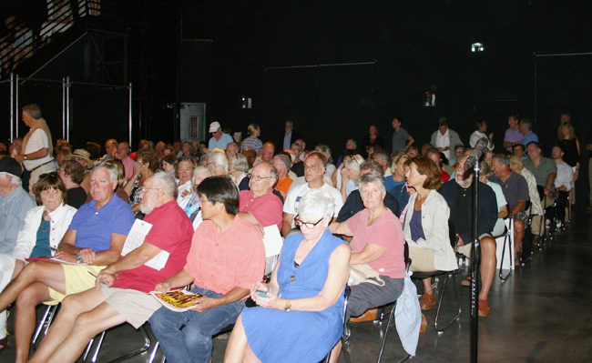 Residents from East End communities packed a Wainscott TV studio for a special meeting on aircraft noise Wednesday evening. (Credit: Ambrose Clancy)